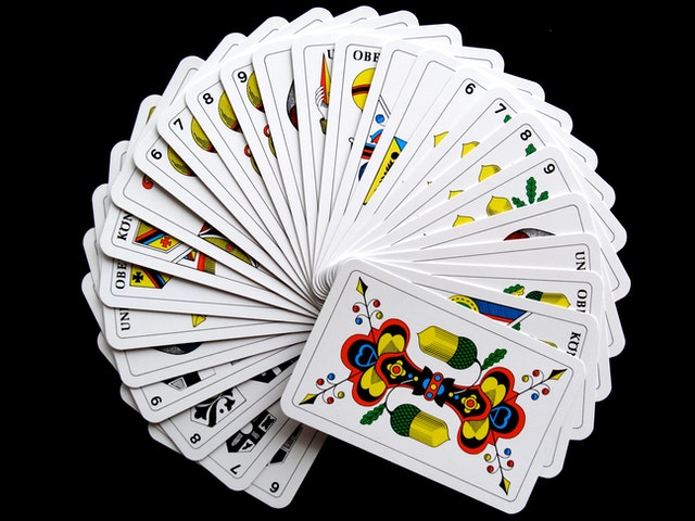 Different Services That Online Gambling Websites Provide